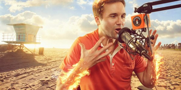 John-Lee-Dumas-podcasting-success-with-Entrepreneur-on-Fire